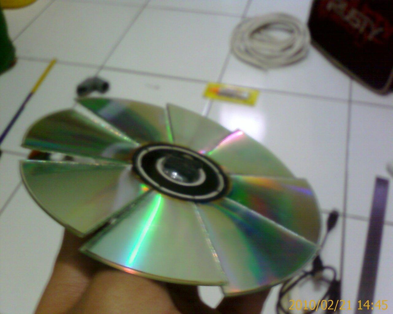 USB Fan CD | Nico's Blog